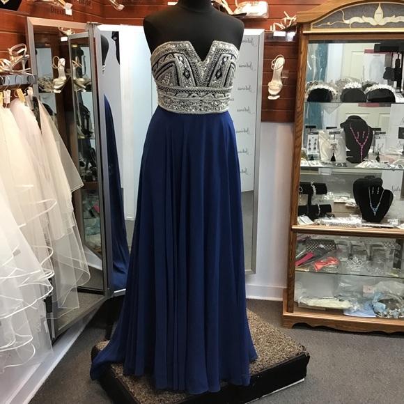 Blush Dresses & Skirts - Blush 11571 Navy/Silver size 16